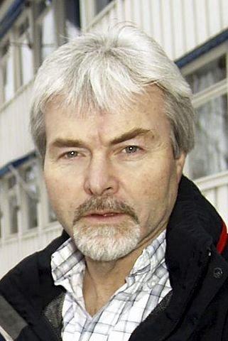 – Uklokt, mener fylkesvaraordfører Runolv Stegane.