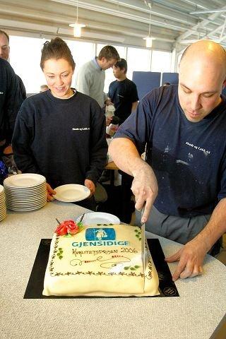 Jeanette Johannessen og Stian Nylund fikk en søt start på dagen da Gjensidige vartet opp med marsi-pankake som takk for innsatsen i 2006.