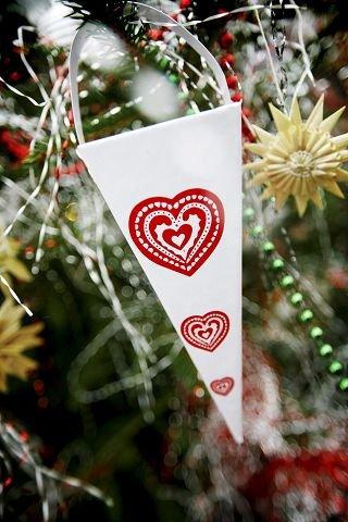 GODTERI: Fylte kremmerhus hang tidlig på treet. Her sees en revitalisert variant «Kotte» fra Ikea (49 kroner for seks stykker).
