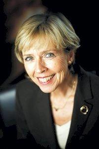 SVARER: Helse- og omsorgsminister Anne-Grete Strøm-Erichsen legger ansvaret for organisering på Helse Sør-Øst.