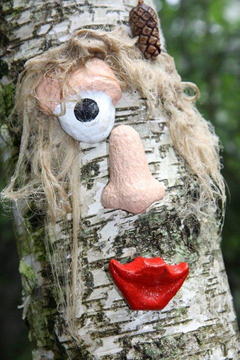 I trollskogen kan trærne både høre og se.