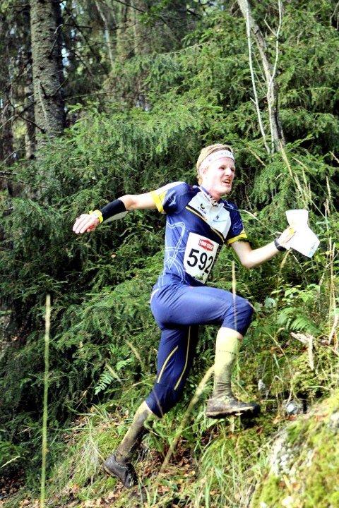 Thomas Schive løp inn til en flott 11. plass blant 82 løpere i H17-18 i junior-NM i orientering. Foto: Erik Borg