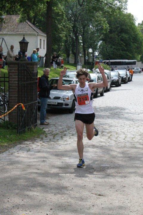 Håkon Brox vant Glommaløpet 2013 da han løp de 16 kilometerne på 56 minutter og 13 sekunder.