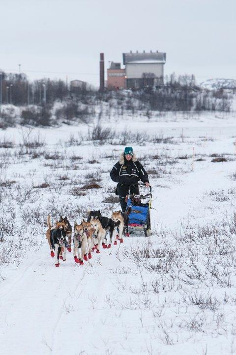 Ronny Frydenlund fra Brumundal kjemper en innbitt kamp for å forbedre seg i forhold til fjorårets fjerdeplass, hans bestenotering fra Finnmarksløpet så langt.