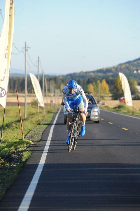 Reidar Borgersen (Joker Merida) har slått tidligere verdensmester i landeveissykling, Thor Hushovds gamle rekord på 50 km tempo. Det skjedde på vestsida av Glomma i går ettermiddag.