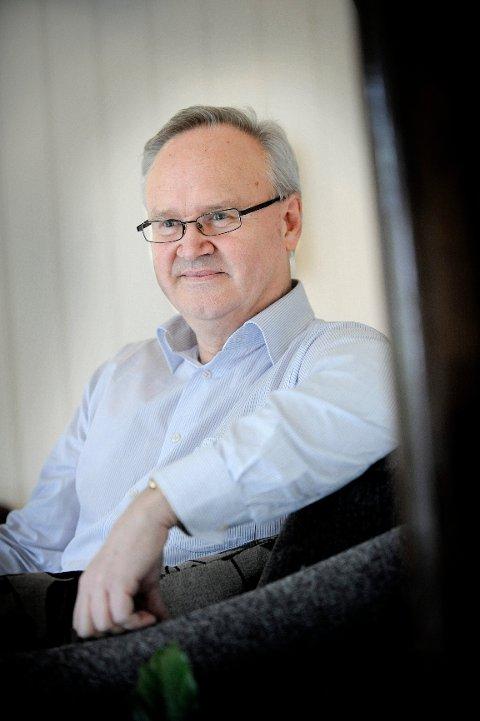 FORUNDRET:  Skattekrimsjef Jan-Egil Kristiansen i Skatt øst er forundret over at folk prøver å hvitvaske penger som de har i banken. FOTO: CHRISTIAN CLAUSEN