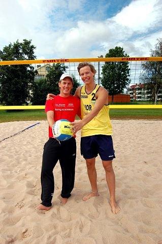 Stian Opsahl (til venstre) og Christian Helland har ikke spilt turnering sammen før. Men de nye kompisene har tro på at de skal gjøre det bra i junior-NM. Foto: Tor Fr. Sparre-Enger