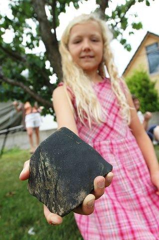 SPESIELL BURSDAGSGAVE:Eva Johanne Johansen (10) fikk en spesiell bursdagsgave fra oven.