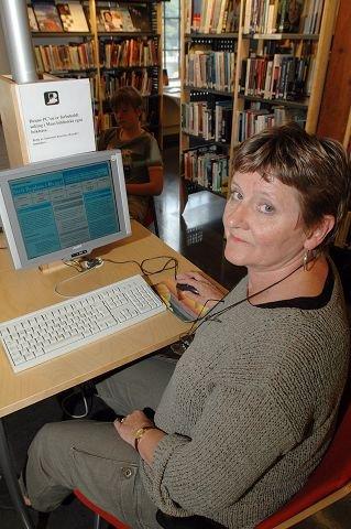 INFO OM RYGGE:– Bibliotekets rolle er i endring, og dette er et eksempel på hvordan informasjon kan gjøres lett tilgjengelig, sier Lillian Salomonsen, stedfortredende biblioteksjef ved Moss bibliotek. Sammen med bibliotekene i Rygge, Råde og Våler tilbyr hun nå en ny ressursside om silvil lufttrafikk på Rygge.