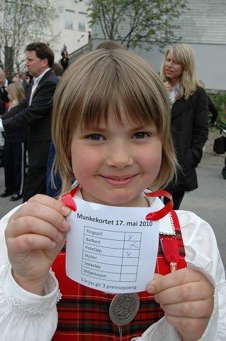 Ragna Lindberg Russwurm deltok i lekene på Munkerud skole og håpet på premie.