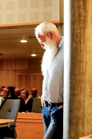 FIKK NEI: Alf Henriksen (Rødt) vil ha lokal boikott av israelske varer. Forslaget ble aldri behandlet. Begge foto: Eirik Aspaas