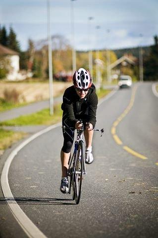 Sykkelen til Kristin Lie er 20 ganger mer verdt enn den 20 år gamle bilen hennes.