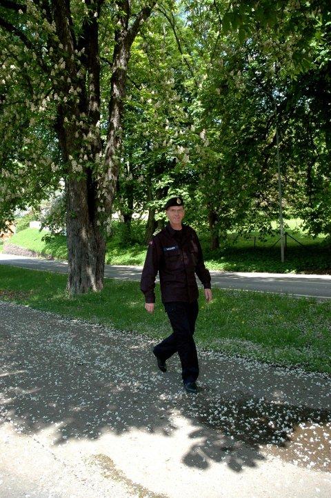 FRODIG: Kastanjene blomstrer hos kommandant Truls Sanaker på Karljohansvern. I morgen blir det pangstart på guidet tur-sesongen. FOTO: AUDUN BÅRDSETH