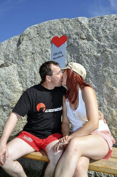 PROFT: Gyorgy Attila og Kinga Juhos kan kunsten å kysse.