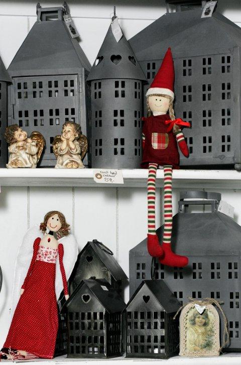 Sinkhus har vært mye omtalt hos interiørbloggere i det siste, og blir raskt julehus ved å tilføre en nisse.