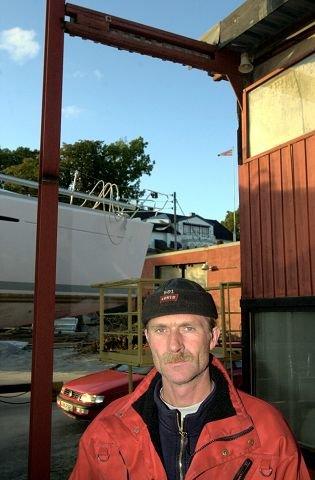Reparerer midlertidig Innehaver av Slevikkilen Båtbyggeri, Knut Halvorsen driver en bedrift med åtte ansatte som reparerer båter året rundt. Arkivfoto: Erik hagen