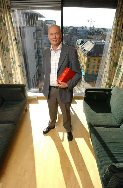SKIFTER SIDE Arild Holden har sluttet som statsadvokat og blir forsvarer. Arkivfoto: Geir A Carlsson