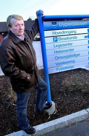 Ordfører Eivind N. Borge går usedvanlig hardt ut mot Arbeiderpartiets ordførerkandidat på Hvaler, Anne May Sandvik Olsen, i saken om sykehjemsplasser på Dypedalåsen.