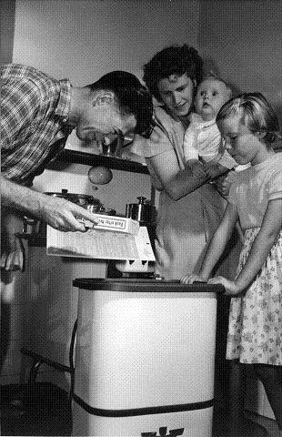 Fra 1950-tallet, og vaskemaskinen er endelig i hus.