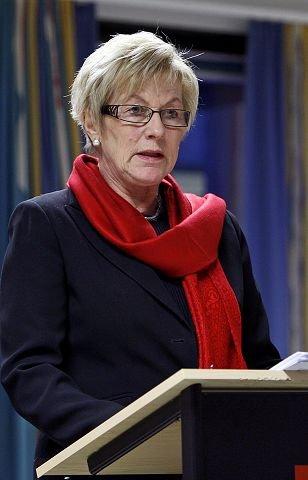 Varaordfører Aud Kristin Løken (H) i Rygge sier hun er prinsipielt imot kommunesammenslåing.