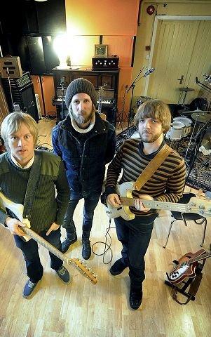 Sammen med Øystein Greni (t.v.) og mjøndølingen Olaf Olsen Olsen utgjør Eilertsen BigBang, et av landets mest populære band. Nå satser de på USA der platen «Edendale» kom ut i januar. FOTO: RUNE FOLKEDAL