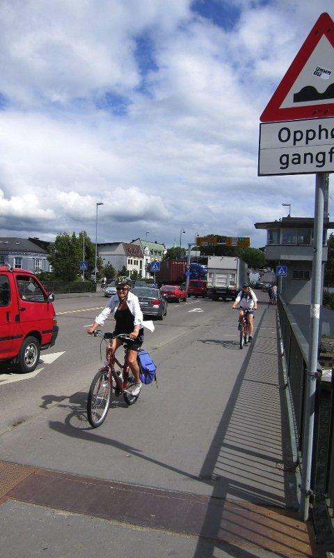 Statens vegvesen mener dagens Kanalbru synger på siste verset og vil ha en ny og moderne bru som løser trafikkproblemene.