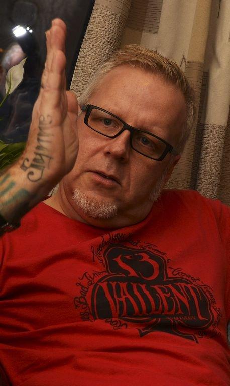 REDD: Tidligere Plumbo-trommeslager Hans Inge Rønningen frykter at nedleggelsen av Hus 3 kan ha fatale konsekvenser for brukerne.  – Dette handler om menneskeverd, sier han.