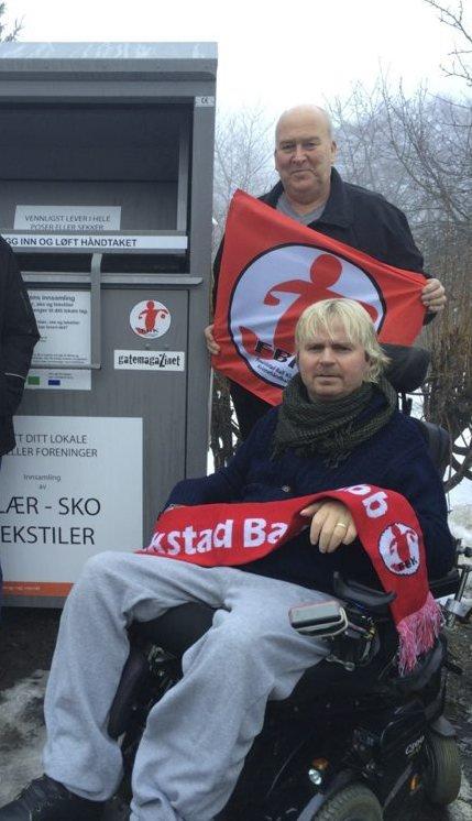 STØTTER FBK: Dagfinn Enerly og Ulf Berg engasjerer seg nå med klesinnsamling for Fredrikstad Ballklubb.